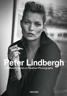 Peter Lindbergh. A different vision on fashion photography. Catalogo della mostra (Rotterdam, 10 settembre 2016-12 febbraio 2017). Ediz. italiana, spagnola e inglese